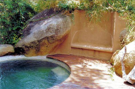 2l the pool