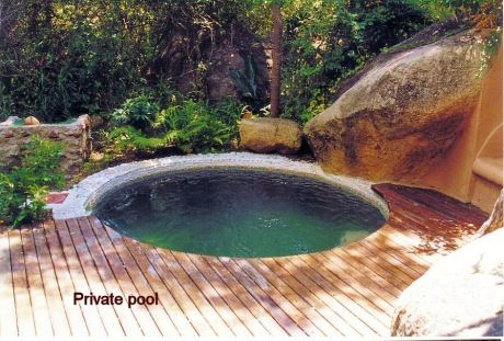 2m private pool