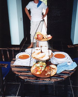a-lunch at no.3 b-jan 2000