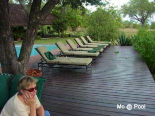 b8 Mo at pool