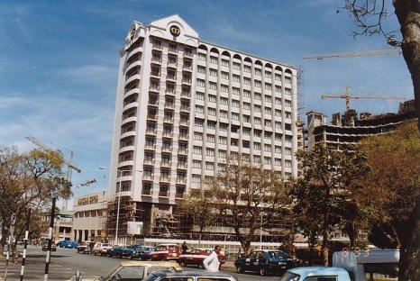 d-monomotapa hotel-aug 93