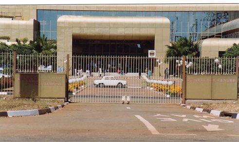 d-sheraton entrance-aug 93