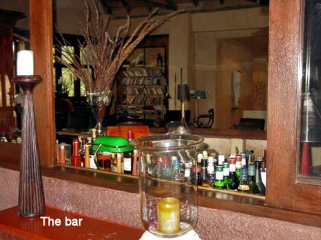 j9 the Bar