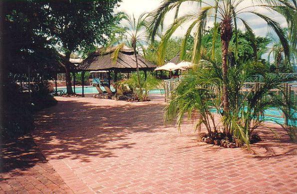 b-elephant hills pool-4 - jan 2000