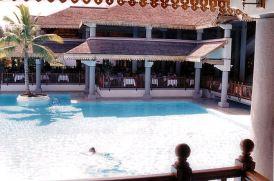 b7 Sofitel pool