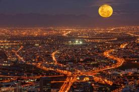 © James Gradwell - Supermoon - Cape Town - 23rd June 2013