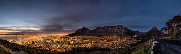 Cape Town – The city starts to wake just before sunrise.