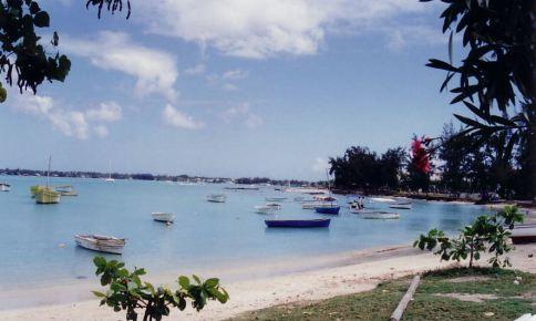 f9 Port Louis