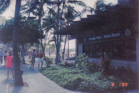 c1-waikiki beach-jan 89