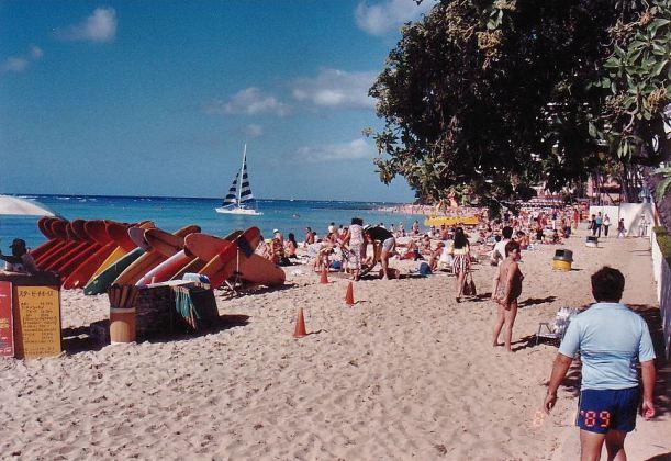 c2-waikiki beach-jan 89