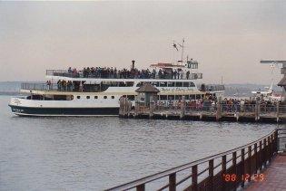 c6-Statue of Liberty Ferry-dec 88