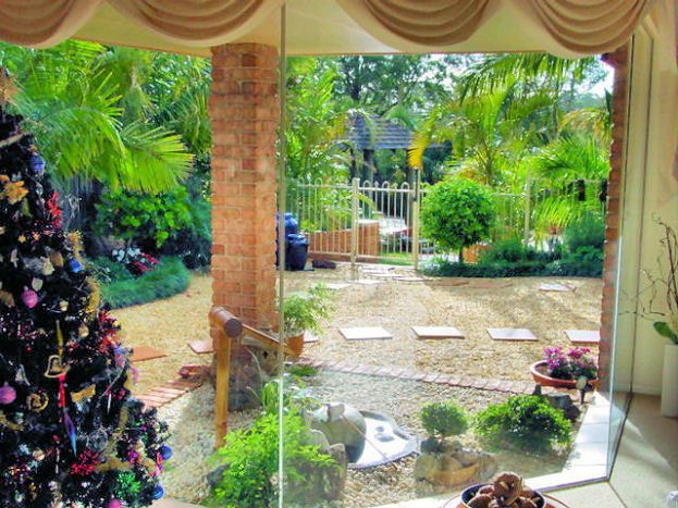 DSC00600 top garden E