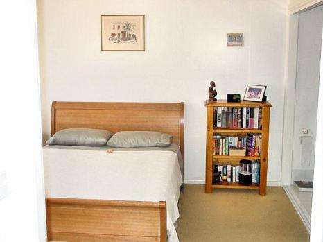DSC00626 Main bedroom E