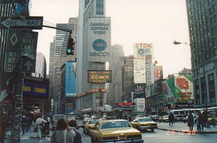 i8-Times Square-dec 88