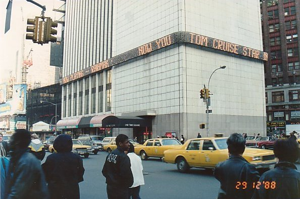 i9-Times Square-dec 88