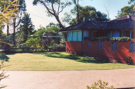 Image29a front lawn