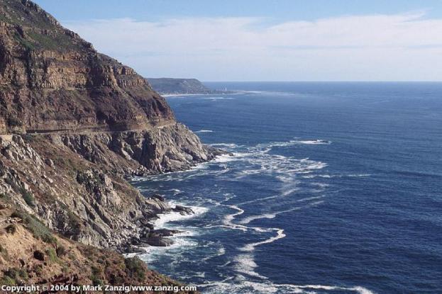 image19a Chapmans Peak looking at Slangkoppunt Lighthouse at Kommetjie