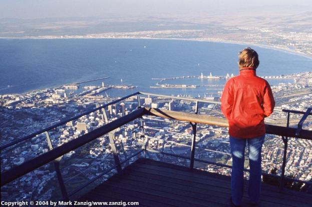 image70a Cape Town from a viewing platform