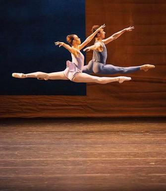 Nikisha Fogo and Denis Cherevychko ©️ Ashley Taylor