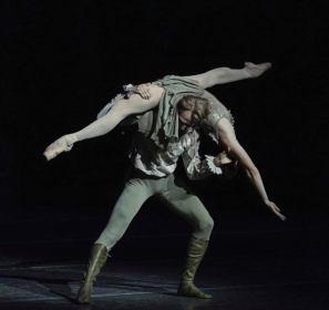 David Hallberg and Natalia Osipova as powerful Manon