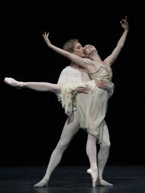 ddDavid Hallberg and Natalia Osipova in Romeo and Juliet, photo by Andrej Uspenski ROH