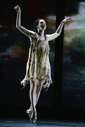 ddNatalia Osipova in Meryl Tankard's Two Feet