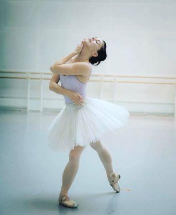 Natalia Osipova rehearsing Swan Lake